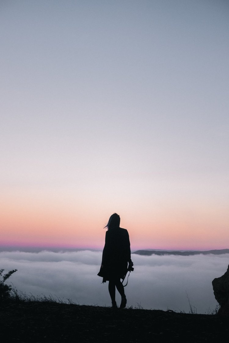 hiking-above-clouds-at-sunset_925x
